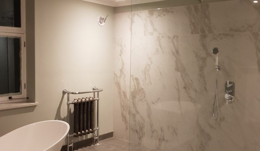 Painted bathroom to property in Beckenham