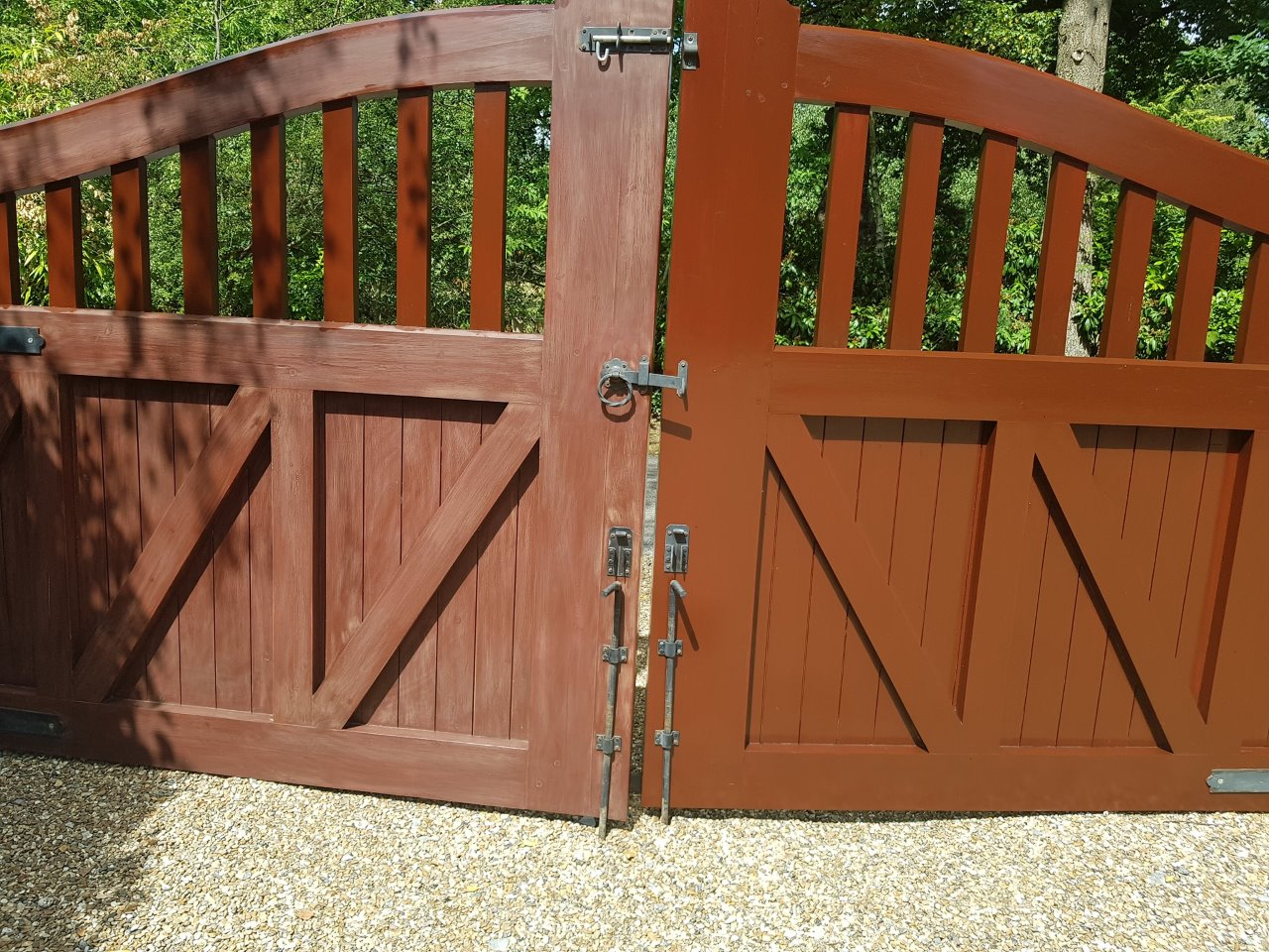 Front gates preparation and painted