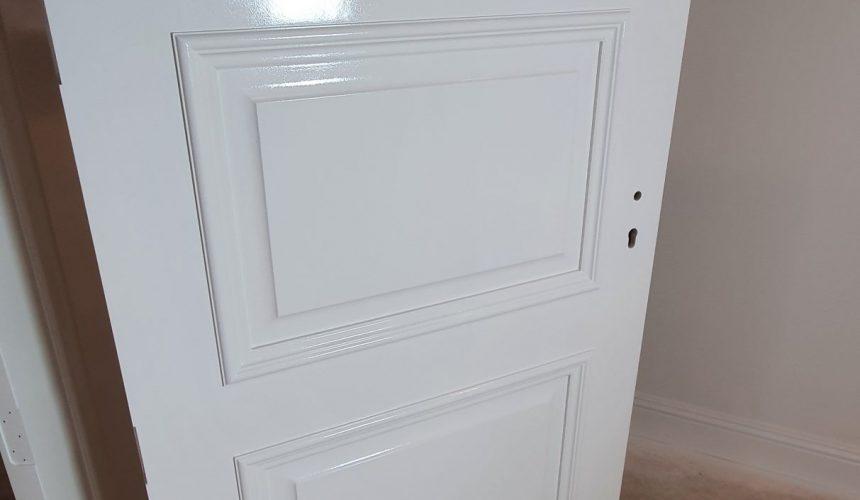 Spray painted door in Westerham